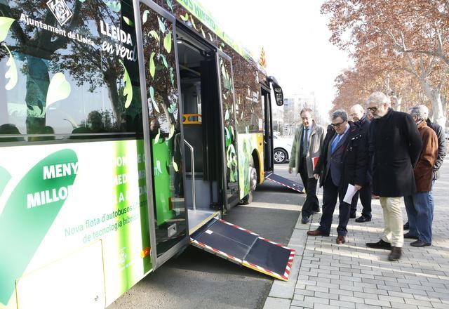 La ciutat de Lleida estrena 10 nous autobusos, dels quals 8 són híbrids