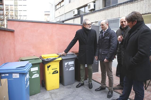 Lleida implanta la recollida comercial porta a porta a grans productors