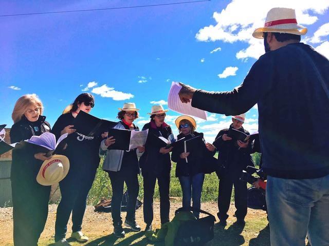La música envaiex l'Horta amb el Lleida canta