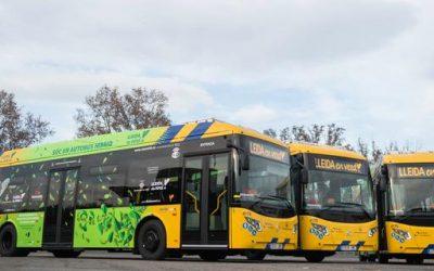 Comencen a circular avui 4 nous autobusos, dels quals 3 són híbrids