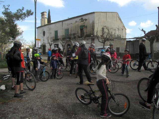 El plaer de descobrir els racons de l'Horta de Grenyana en bicicleta